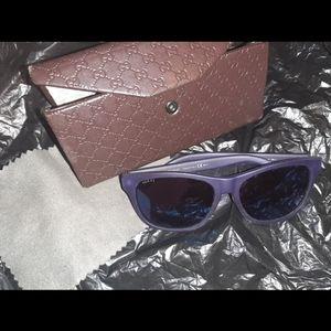 💋SOLD💋🕶Gucci $320 Blue Sunglasses & Case🤩